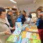 20151128_benesov_nad_cernou_knihovna_den_pro_detskou_knihu_prodejni_vystava_knih_2339